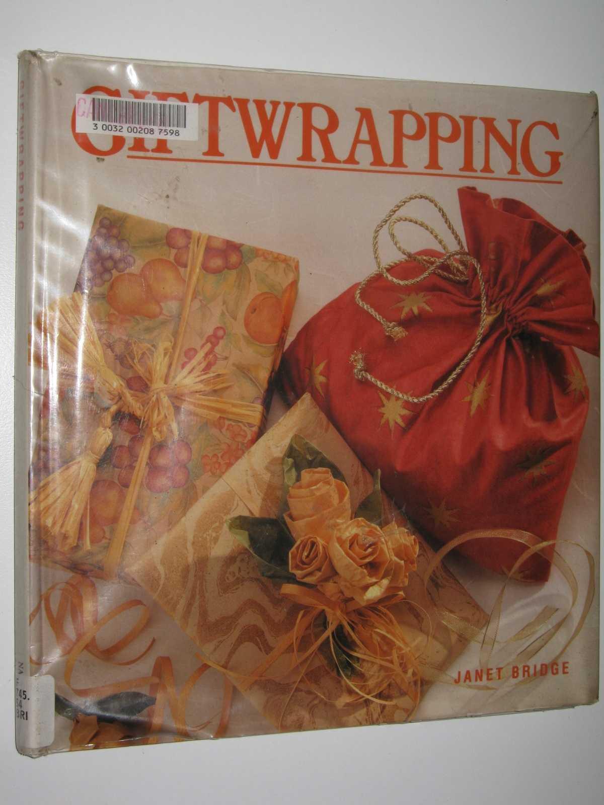 Giftwrapping, Bridge, Janet
