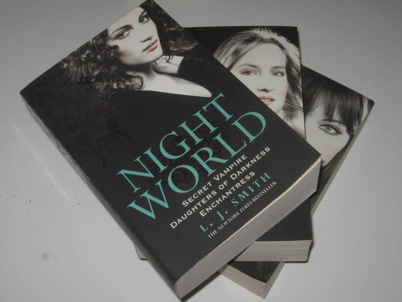 Image for Night World Volumes 1, 2 & 3 : Secret Vampire + Daughters of Darkness + Enchantress