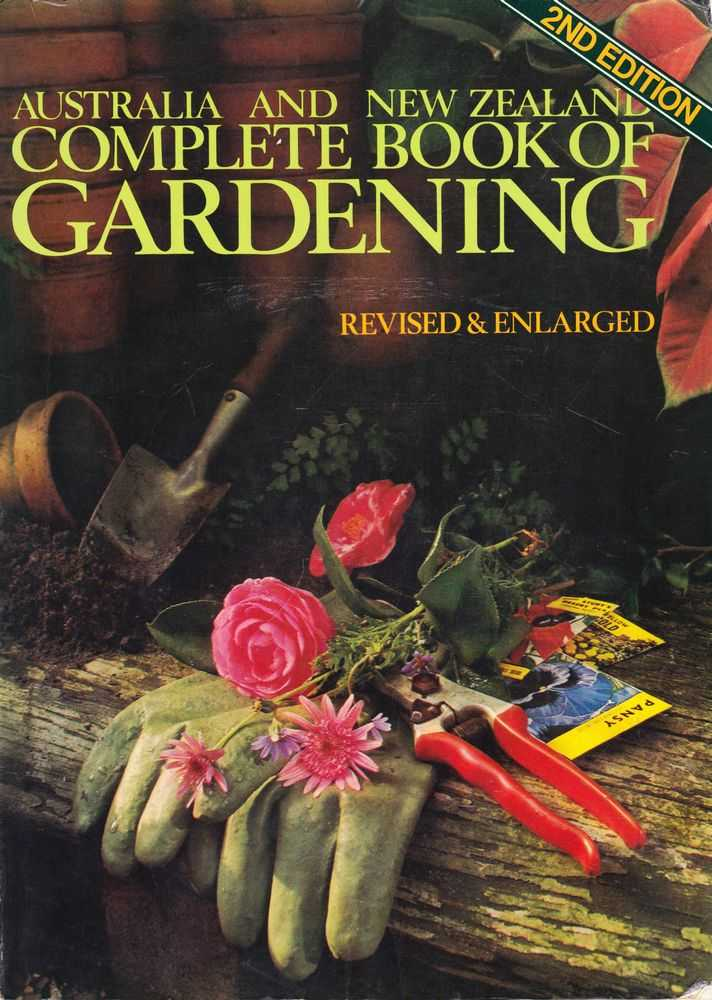 Australia and New Zealand Complete Book of Gardening, Hamlyn Books
