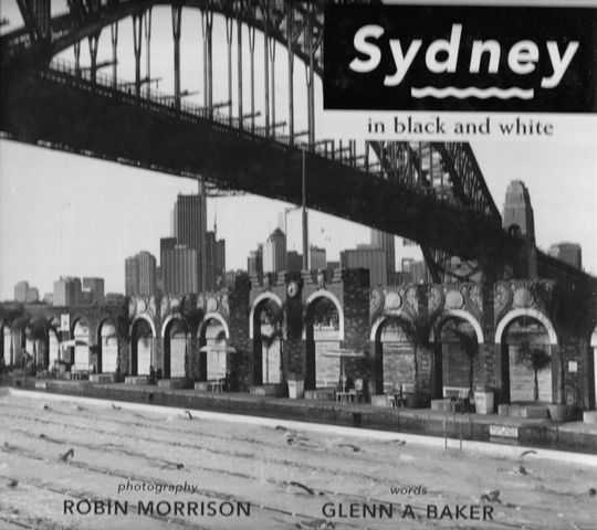 Image for Sydney in Black and White [Cities of the World]