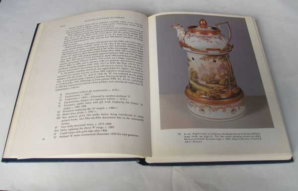 GEOFFREY GODDEN - Minton Pottery and Porcelain of the First Period, 1793-1850
