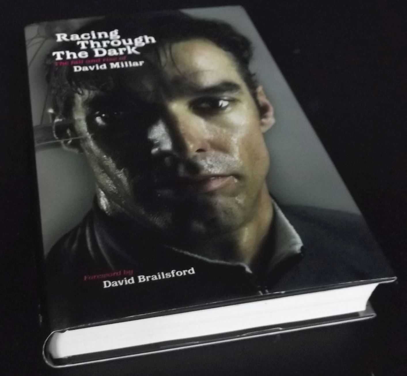 DAVID MILLAR - Racing Through the Dark: The Fall and Rise of David Millar