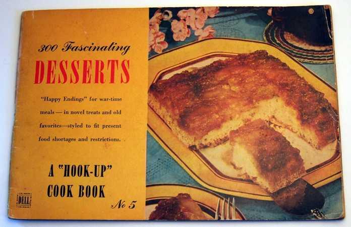 "300 Fascinating Desserts: A ""Hook-Up Cook Book"" No. 5, Buchholz (Editor), Gertrude"